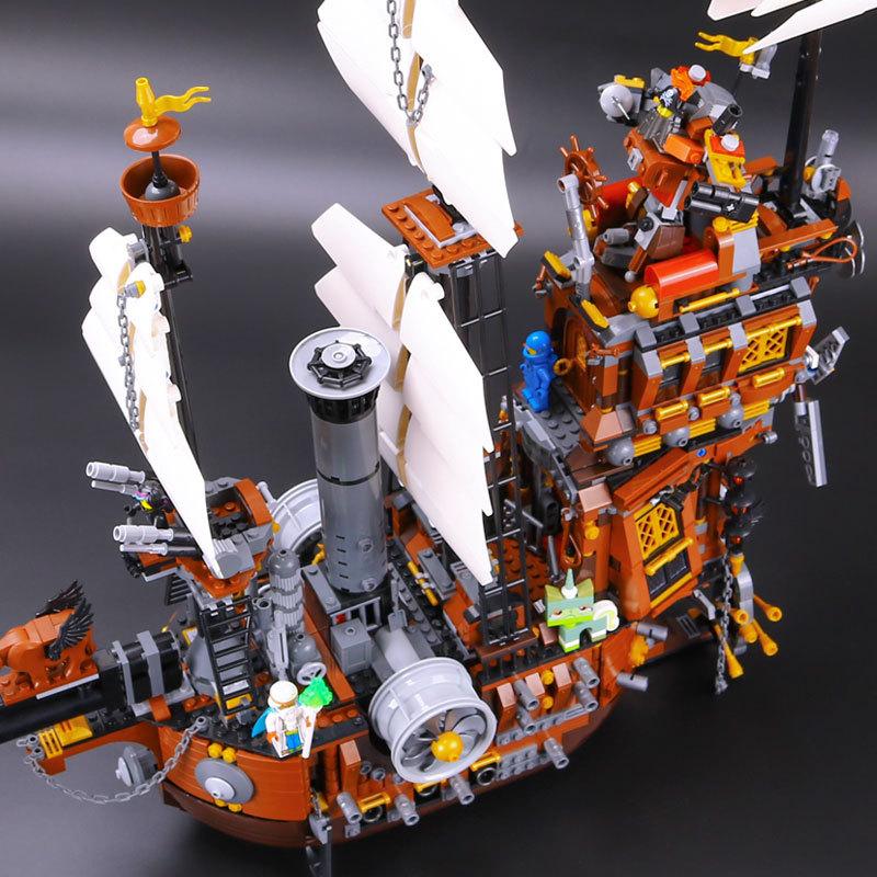 LEPIN 16002 Building Blocks MetalBeard's Sea Cow Building Brick Sets