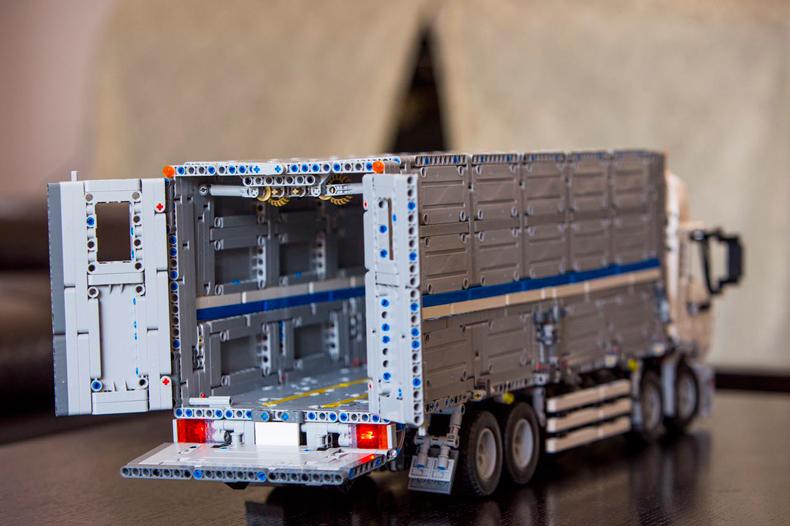 CUSTOM 23008 Building Blocks Toys MOC Technic Wing Body Truck Building Brick Sets